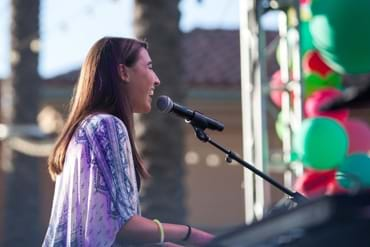 Hanna Eyre performing at Irvine Spectrum